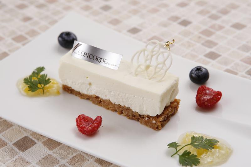 【長坂養蜂場の蜂蜜使用】レアチーズケーキ